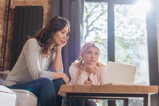 Homeschool vs. Online School mom and daughter